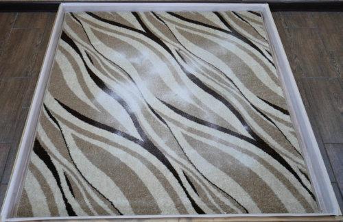Песок на ковре